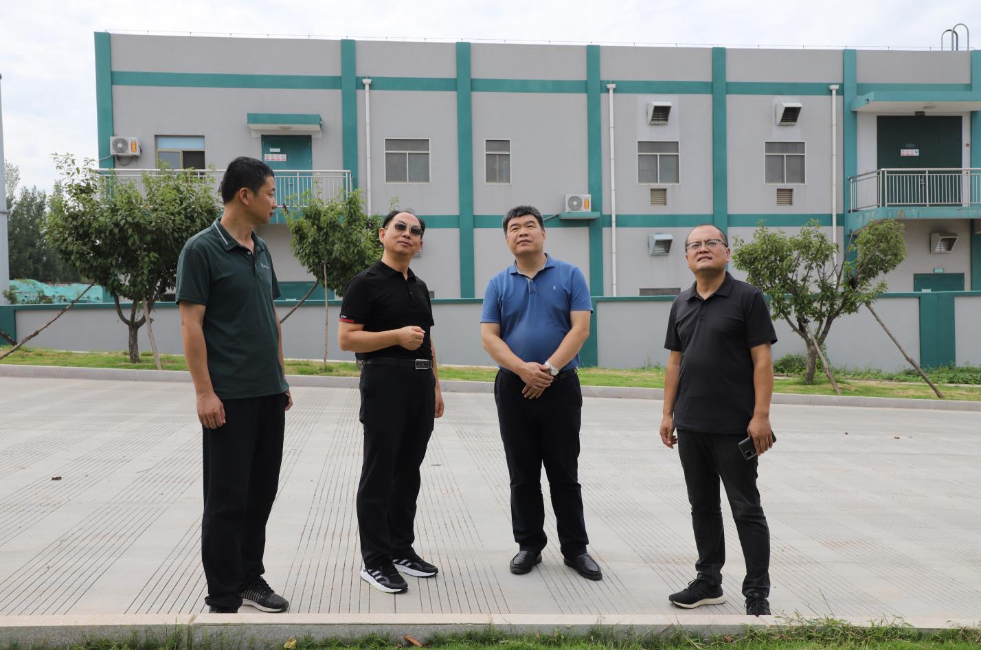 淄川区发改局局长张立冬一行到我公司调研考察75